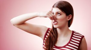 causes-hair-smell-bad_900361f160ba6355