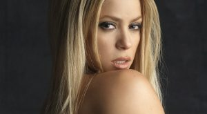tmp_14406-shakira_shoulder_blonde_lips_eyes_4007_1920x1080-70668250